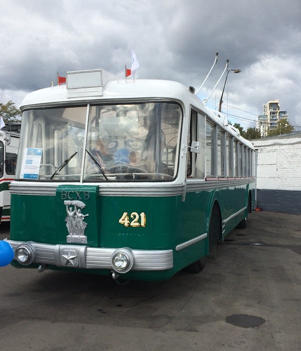 Экскурсионный троллейбус по ВДНХ 1955 год